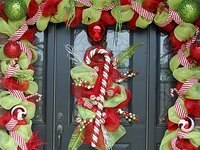 craftiness- wreaths and door ideas