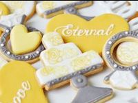 Iced and decorated cookies for weddings and bridal showers