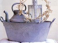 So many uses and so many exciting things to do with galvanized wash tubs. Where to begin?