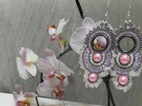 Beaded earrings and others that could be made with beadwork