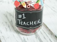 Teaching ideas, classroom organization, classroom decor, and great gifts for teachers!