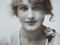 Jewellery - Pre 1930