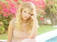 Taylor Alison Swift my idol❤️❤️❤️❤️❤️I'm totes obsessed with her❤️I'm a HUGE SWIFTIE❤️❤️❤️❤️❤️❤️✌️