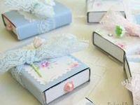 Papel- artesanato bem bolado com cartonagem, papel, papelão e embalagens de papel.