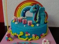 Decorative Cartoon Characters and Movie Cakes