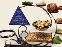 One of my favorite holidays! Yes I even look forward to eating matzah.  Recipes, Jewish stuff for the holiday
