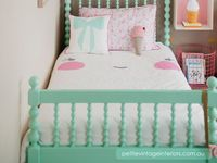 Inspiration for kids rooms and playhouses! Colorful accents, bunker beds, toys and games, Mary Poppins and perfect mothers! Nice ideas to make their rooms cheerful, their life full of laugh and our hearts full of love!