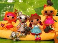 I love these cute dolls.