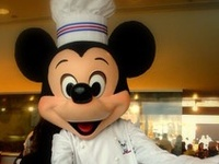 Everything you could possibly want to know about the Walt Disney World restaurants, quick service options, snack stands and resort dining:  menus, tips, reviews, special dishes, desserts, drinks, and of course the Dining Plan!