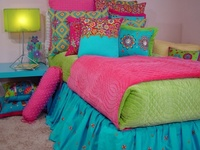Fabulous interior design ideas and room decor. Have fun decorating your girls bedroom. Create it together and have fun !