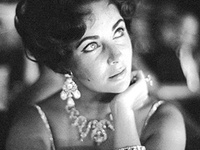 LiZ TaYLoR ~ JeWeLs