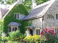 I could SO live in these!  Old Victorian houses and charming English cottages.