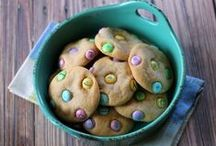 Easter and Springtime Treats / Treats that are perfect for Easter and/or Spring! / by Julie | This Gal Cooks