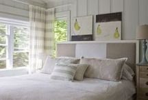 Bedrooms / by Debby Anglesey