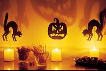 Halloween /Carnaval / Tenen lloc en èpoques diferents de l'any, però el fi és el mateix .... divertir-se. (A Europa els carnestoltes s'hi celebren normalment al febrer) Veure també PINTURA CORPORAL. / by Rosalia Casas H.
