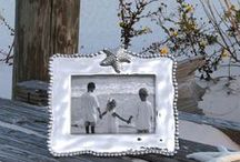 """FRAME IT! / Frames, mirrors, spaces that """"frame"""" our lives! / by Beatriz Ball Collection"""