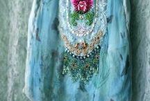 Aqua, Turquoise, Teal / Sharing finds in my favorite shades of aqua, turquoise and teal! / by Cindy Wimmer