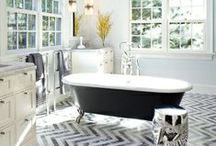 Bathrooms / by Stacey Roemen