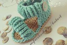 crochet zapatitos-botas / by Maria Teresa Gomez