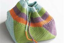 crochet bolsos- monederos-cestos / by Maria Teresa Gomez
