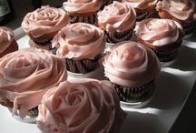 Cupcakes / by Helen Walker