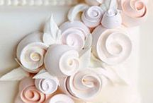 Baking: Cake toppers / by Jolanda van Pareren