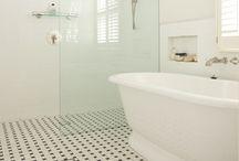 Baños / Bathroom / Toilette / by Txoko Pat