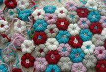 Crochet/Knit/Textiles / by Yvonne Edmonds