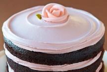 Cakes / by Denisse Galvan