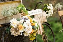 Country Weddings / Great inspiration for any bride who wants a wedding in the country or on a farm. / by Linda Lula