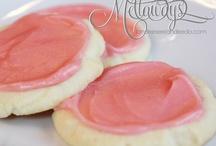 Oh Yum...Cookies / by Sandy (Girlyfrog) Eyler