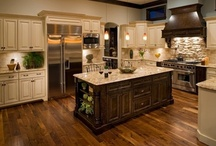 * Kitchens I Want To Cook In * / Ideas for my current and future kitchen. / by Rachel Rositas-Galicia