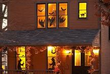 Halloween Houses / by Mademoiselle Emma