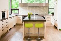 Kitchens Dining Rooms & Things / by Geneviève Fortin
