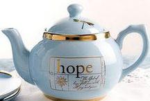 Teapots / by Liane Laslett