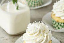 Cupcakes! / by Deb O'Brien