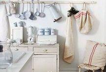 Home: Kitchen / by Christine S. Collins / Wood & Grain