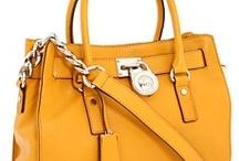 Handbag Love / by Bethany Coulombe