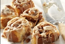 Cinnamon Rolls / Perfect Pastries for Breakfast! / by Amie Vitito