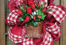 wreaths/floral / by Melissa Brashear
