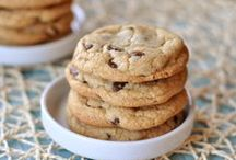 THE CHOCOLATE CHIP COOKIE EXPERIMENT / We are starting a chocolate chip cookie blog. About one recipe or so a month / by Colleen Kenny