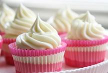 Cupcakes / by Erin (Texanerin Baking)