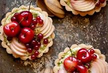 cakes, pies & desserts / by Mia Kania