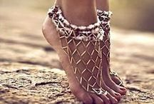 Beaded Jewelry - From head to toe / Beaded jewelry for the feet and upper arms. / by Linda Dompierre