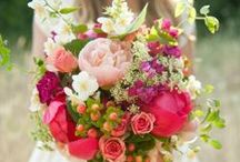 Flowers and Wedding Stuff / by Hope Marlow