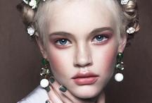 Make-Up / by Chalita