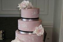 Wedding Cakes! / by De Vonee Kaiser