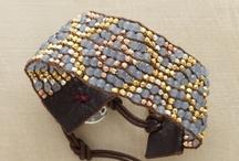 Bead Weaving - Loom / Flat Weaving / by hummingbird.pie