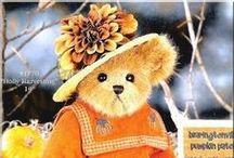 Teddy Bears / by Bonnie Caldwell