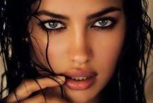 Beautiful WOMEN / by Ian Moore